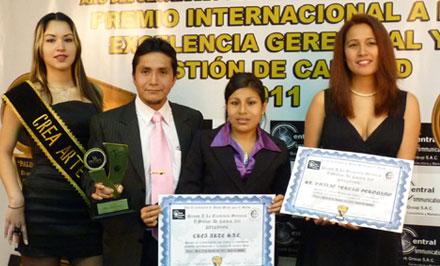 Crea Arte Recibio el Premio a la Excelencia Gerencial y Gestion de Calidad