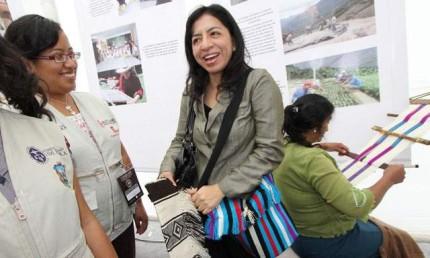 Ministra Gladys Triveño Inaugurará Calzaferia 2012
